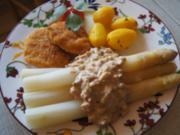 Spargel mit pikanter Sauce, Mini-Knusper-Schnitzel und Kümmel-Drillingen - Rezept - Bild Nr. 14239