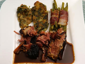Burgunderbraten mit Kartoffel-Rucola-Rösti, Speckbohnen und Bratenjus - Rezept - Bild Nr. 2