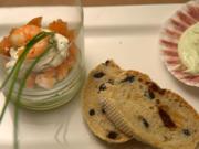 Guacamole, Lachs und Garnelen an mediterranem Brot und Bärlauch Dip - Rezept - Bild Nr. 2