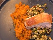 Schweinebauch mit Butternusskürbis-Stampf und Apfel-Walnuss Salsa - Rezept - Bild Nr. 2