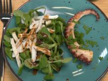 Feldsalat mit Tintenfischtuben und Oktopus - Rezept - Bild Nr. 14383
