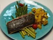 Kingfish auf gebratenem grünen Spargel dazu Rosmarinkartoffeln - Rezept - Bild Nr. 14383