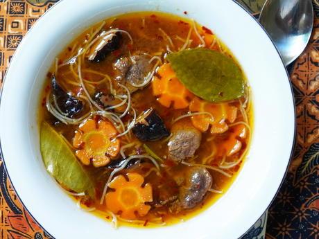 Glasnudelsuppe mit Rindfleisch, Karotten und Pilzen - Rezept - Bild Nr. 14411