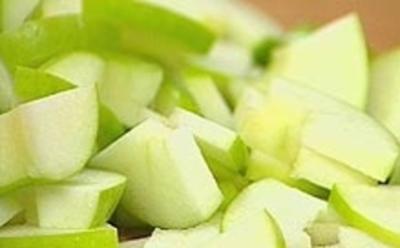 Grüne Apfelsuppe mit geriebenem Fenchel - Rezept