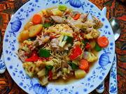 Frittierte Nudeln mit Huhn und Gemüse -- Tami Goreng Cap Cay Ayam - Rezept - Bild Nr. 2