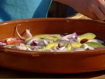 Tomatensalat mit Avocado - Rezept
