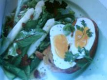 Frühlingssalat mit Eier Crostini - Rezept
