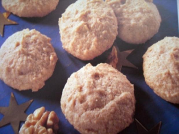 Plätzchen: Zarte Walnußwölkchen - Rezept