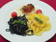 Steinbutt unter Pinienkernkruste an weißer und schwarzer Pasta - Rezept