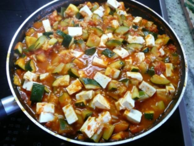 Schnelle Zucchini -Pfanne mit Tomaten