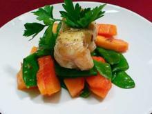 Seeteufelsaté auf Papaya-Zuckerschotensalat - Rezept