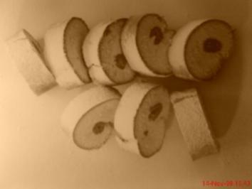 Biskuitrolle mit Himbeer-Sahne-Creme - Rezept