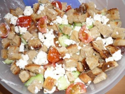 Brotsalat griechische Art - Rezept