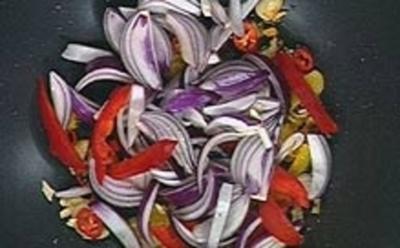 Hühnerfleisch süß-sauer mit Korianderreis - Rezept