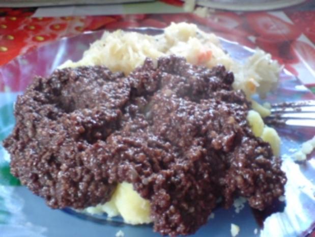 Grützwurst mit Kartoffeln und Sauerkraut - Rezept