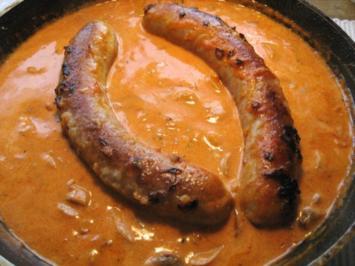Bratwurst in Champignon-Rahmsoße - Rezept
