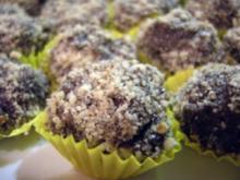 Pralinen: Schokolade und Keks suhlen sich im Nussbad - Rezept