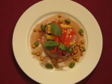 Risotto mit Mais, Paprika u. Tunfisch an Rotweinsoße - Rosarot mit gelben Punkten - Rezept