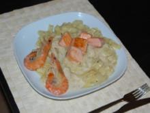 Pasta mit Lachswürfeln und Crevetten - Rezept