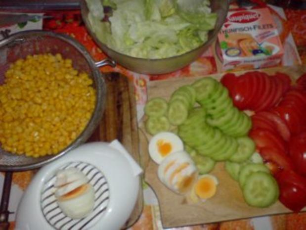 Schichtsalat mit Thunfischsoße - Rezept - Bild Nr. 3