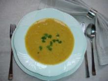 Zucchini-Kartoffelcremesuppe mit Croutons - Rezept