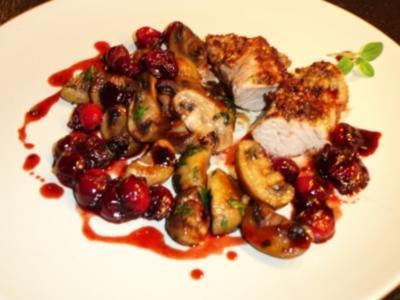 Krustiges Spanferkelfilet mit Cranberries und Pilzen - Rezept