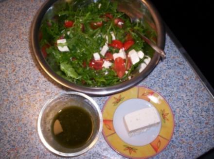 Ruccolasalat mit Schafskäse - Rezept