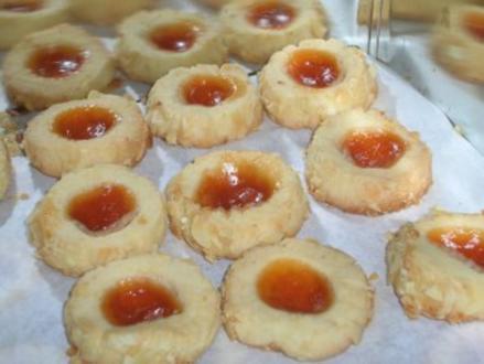Weihnachtskekse Mit Marmeladenfüllung.16 Weihnachtskekse Mit Marmelade Rezepte Kochbar De