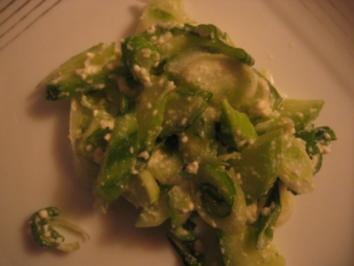 Gurkensalat mit Feta - Rezept