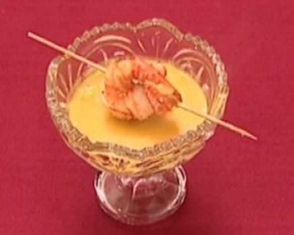 Scampi-Spießchen auf Karotten-Ingwersuppe (Thorsten Havener) - Rezept