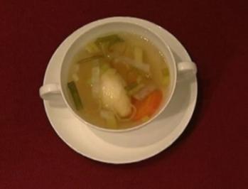 Rindssuppe mit Grießnockerl (Elke Winkens) - Rezept