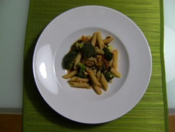 Rezept: Brokkoli Nudel Pfannne