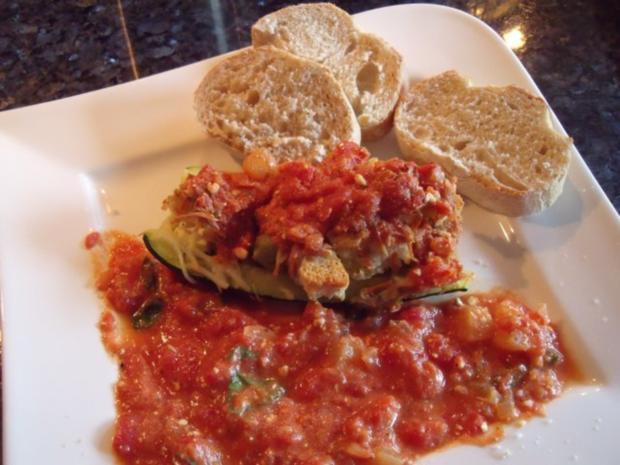 Zucchini mit Käse-Brot Füllung - Rezept - Bild Nr. 2