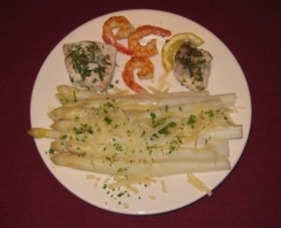 Spargel mit Parmesan und einer Fischvariation - Rezept