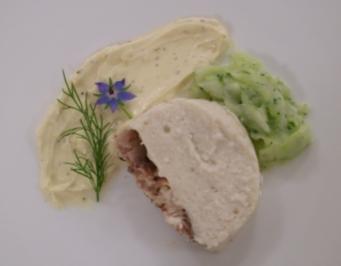 Räucheraal-Hecht-Terrine dazu Gurkensalat - Rezept