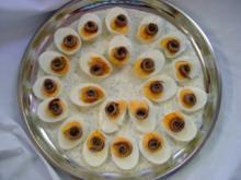 Kalte Platten : Eierplatte mit Sardellenröllchen auf Dillsoße - Rezept