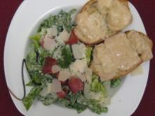 Caesars Salad with homemade cheesy garlic bread - Rezept