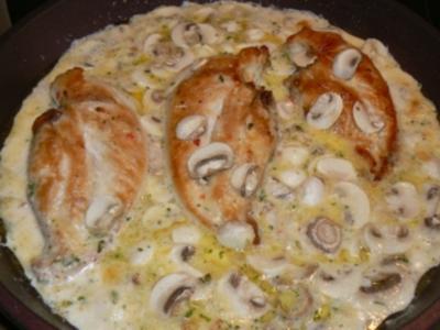 Hähnchenbrustfilet in Chilikäse-Champignonsahnesauce - Rezept