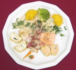 Nudelteigscheiben gefüllt mit Lachs und Zander an Gemüse in Pilzrahmsoße - Rezept