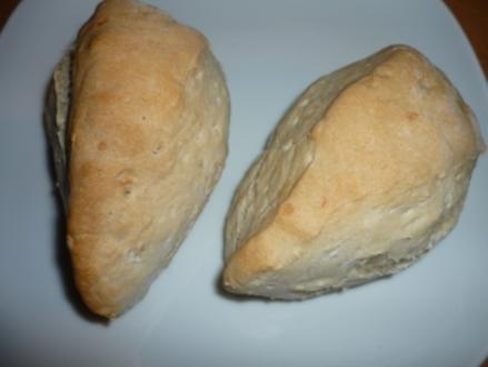 Brötchen:  Buttermilch-Dinkel-Ecken - Rezept