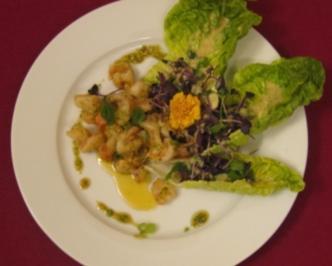 Garnelen mit Korianderpesto und Salat in Limettenvinaigrette - Rezept