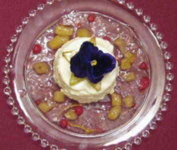 Topfencreme auf Holunderblütenjus - Rezept