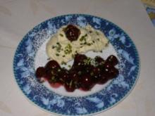 Marzipan-Mousse auf Zimt-Kirschen - Rezept