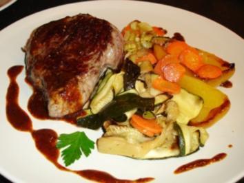 Steak vom Rind mit verschiedenem Gemüse - Rezept