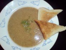 Käsesuppe mit Weißbrot - Rezept