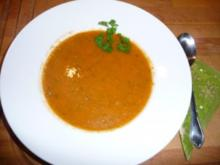 Goldgelbe Gemüsesuppe mit grünen Linsen - Rezept