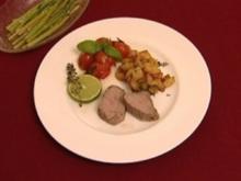 Kalbsfilet mit Thaispargel und Kräuter-Tomaten (Anja Lukaseder) - Rezept