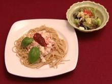 Vollkornspaghetti mit Kräutersauce und getrockneten Tomaten (Joyce Ilg) - Rezept