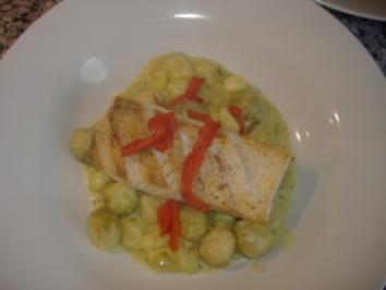 Rosenkohl-Kartoffelragout mit gebratenem Fischfilet - Rezept