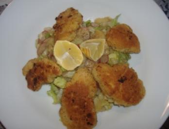 Backhendl mit Kartoffelendiviensalat - Rezept